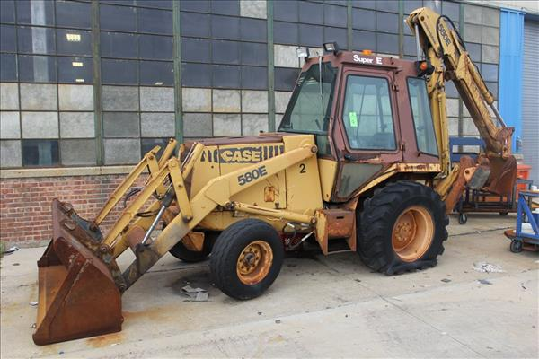 Used CASE 580 SUPER-E | Perfection Industrial Sales