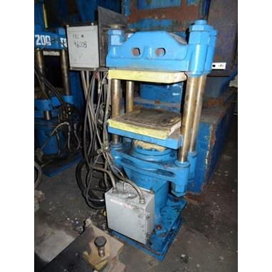 F H MALONEY 4-POST HYDRAULIC MOLDING PRESS