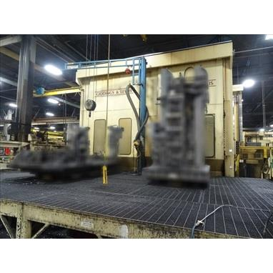 GIDDINGS & LEWIS MC60 5-AXIS CNC TABLE TYPE HORIZONTAL BORING MILL W/ (6) PALLET STANDS AND FLOW-THRU PALLET RECEIVER