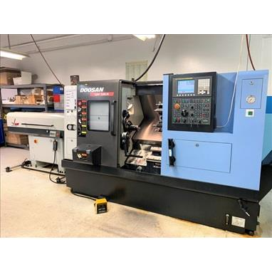 DOOSAN LYNX 220LM CNC TURNING CENTER